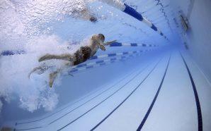 Pływanie – idealny sport dla seniora